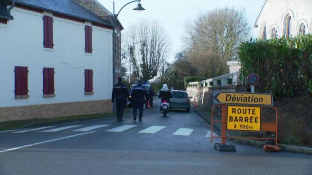Impossible de circuler normalement dans le village de Branville / © FranceTélévisions