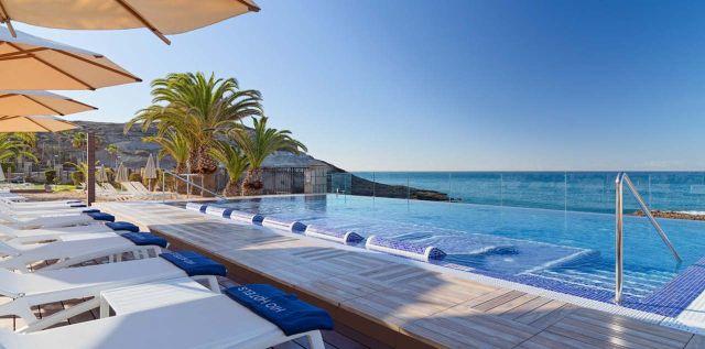 L'hôtel H10 Costa Adeja Palace, à Tenerife. Photo Facebook
