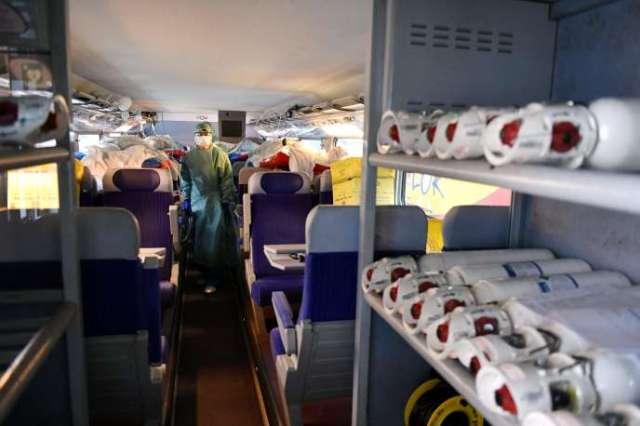 Deux TGV médicalisés ont évacué 36 malades du Covid-19 du GrandEst vers la Nouvelle-Aquitaine, le 29 mars.