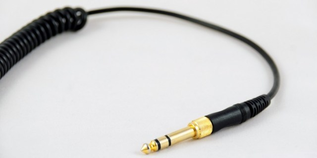 Flashback: the headphone jack has been around for over 100 years, still has a place on phones