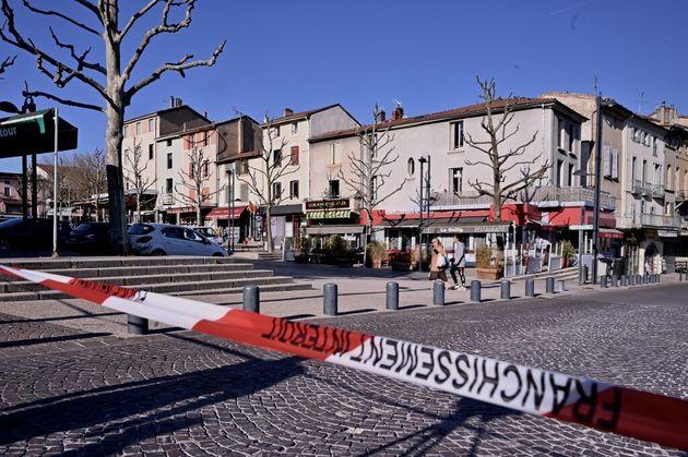 Le centre ville de Romans-sur-Isère ce 4 avril, après l'attaque au couteau qui a fait 2