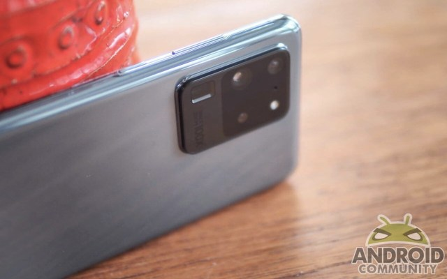 Samsung Galaxy S20 Ultra Rear Camera Glass Breaking