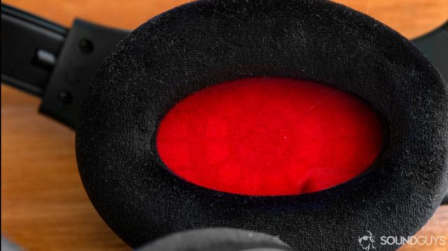 A photo of the red and black velour earpads of the Sennheiser Game One.