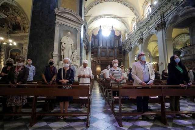 Messe à la cathédrale Sainte-Réparate de Nice, le 24 mai.