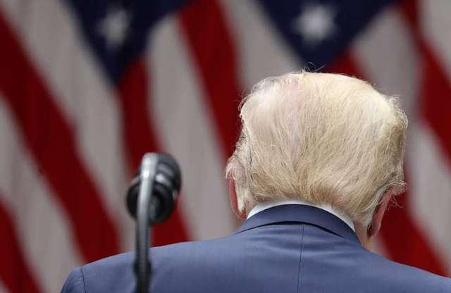 Le président américain Donald Trump quitte sa conférence de presse après ses annonces sur la Chine, le 29 mai à la Maison Blanche.