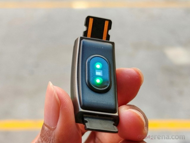PPG optical hear rate sensor on Realme Band