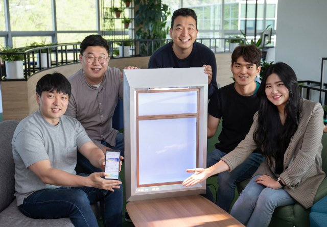 SunnyFive Artificial Sunlight Device Team Samsung C-Lab Spin-Off Startup