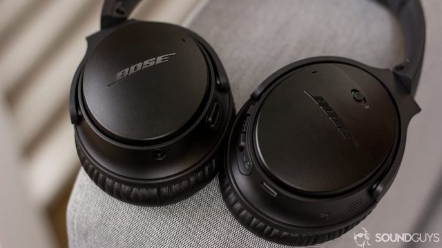 A picture of the Bose QuietComfort 35 II and the Google Assistant button is located on the ear cup.