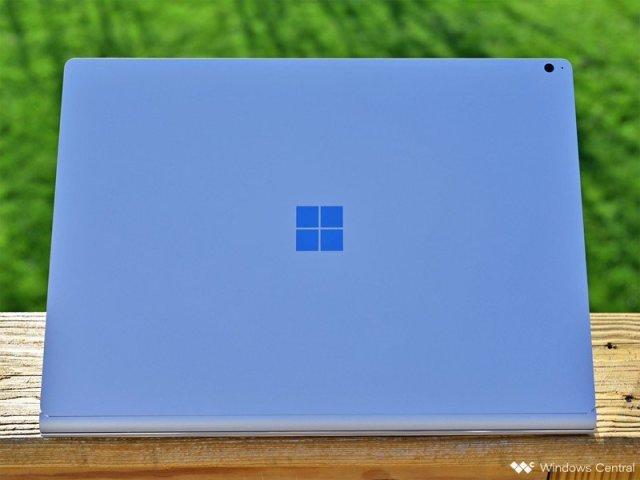 Surface Book 3 Logo Grass