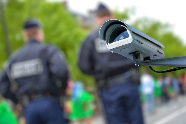 Amazon impose un moratoire d'un an sur l'utilisation de Rekognition par la police