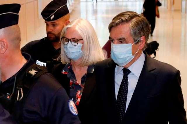 François et Penelope Fillon, le 29 juin, au tribunal de Paris.