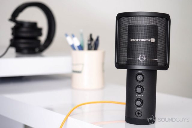 Beyerdynamic Fox USB mic: A front-facing image of the mic with the filter installed, no desk mount.