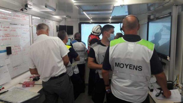 A plus de 22h, ce sont plus de 200 pompiers qui sont toujours mobilisés sur l'incendie, débuté au Tuzan (Gironde), dans l'après-midi.