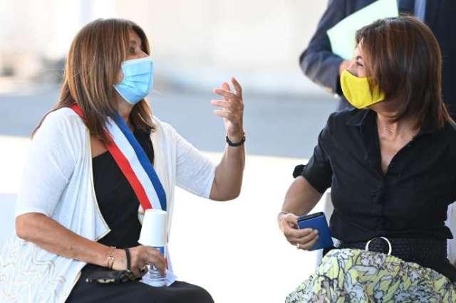 Michelle Rubirola, maire de Marseille, en discussion avec Martine Vassal, présidente de la métropole, le 25 août.