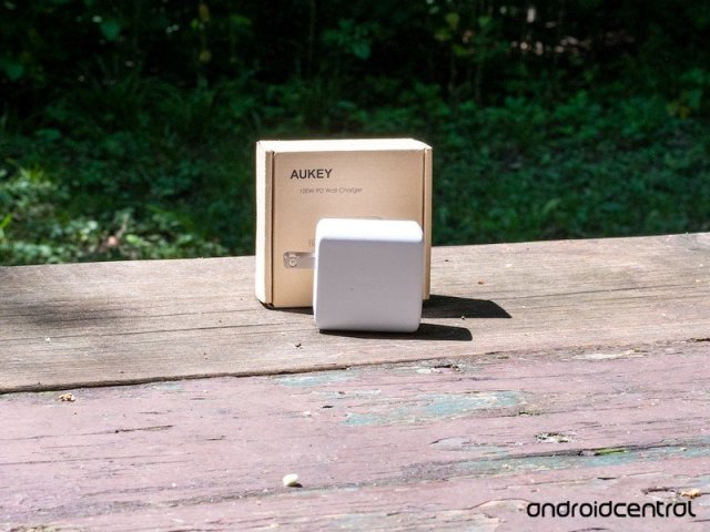 Aukey 100w Charger Box