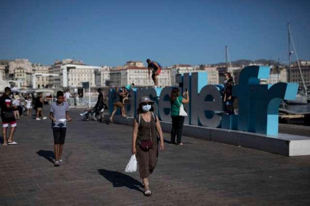Sur le Vieux-Port de Marseille, où le port du masque sera obligatoire à partir du 8 août.