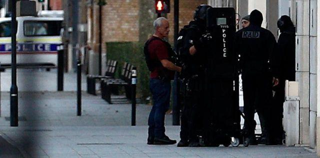 Les policiers ont bouclé tout le quartier, le Raid s'est rendu sur place./AFP
