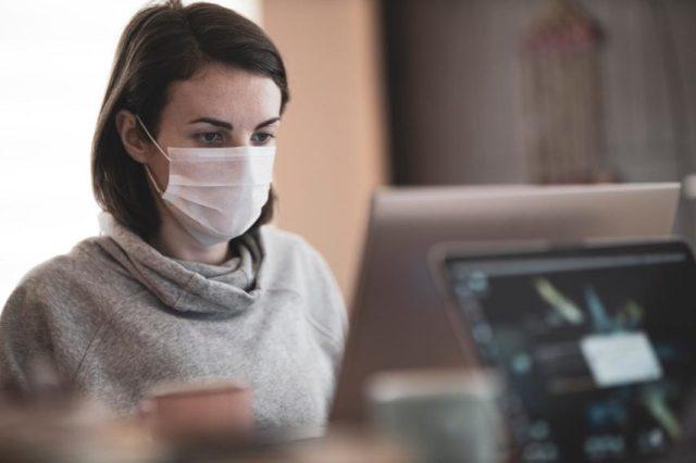 De nouvelles mesures sanitaires entrent en vigueur au 1er septembre 2020, comme le port du masque en entreprise.
