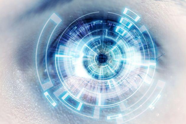 Un prototype de lentille de contact intelligente qui fait de l'œil