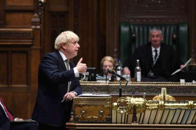 Le premier ministre britannique a annoncé lundi 12 octobre devant les députés puis devant la nation, un nouveau système d'alerte à trois niveaux.
