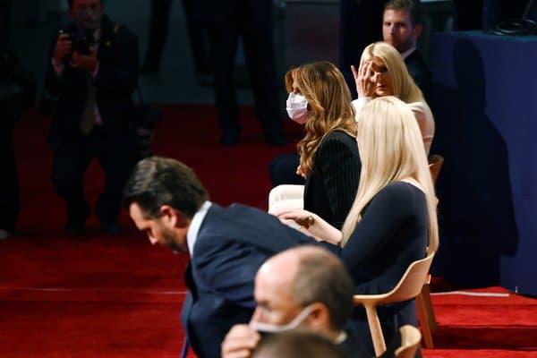Melania Trump masquée le 30 septembre 2020, lors du débat Biden/Trump