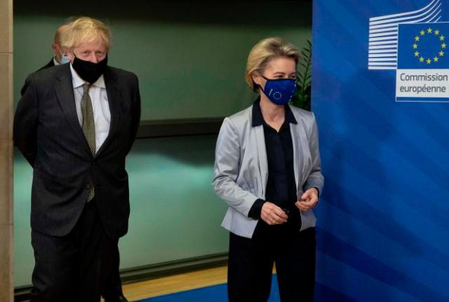Le premier ministre britannique, Boris Johnson, et la présidente de la Commission européenne, Ursula von der Leyen, le 9 décembre à Bruxelles.