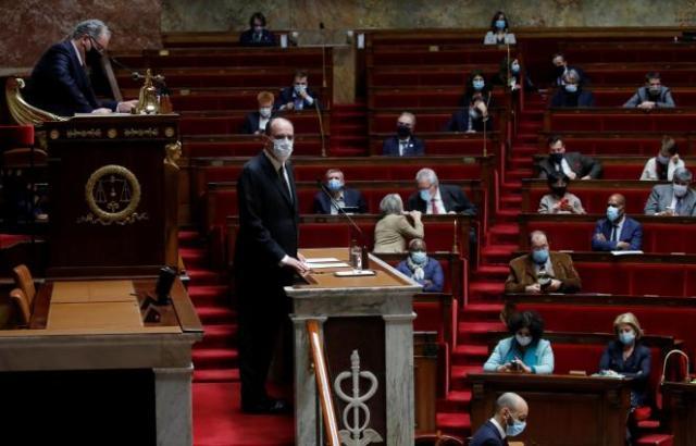 Le premier ministre, Jean Castex, présente la stratégie vaccinale du gouvernement devant l'Assemblée nationale, le 16 décembre.