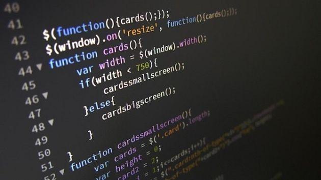 Lire du code logiciel active la partie de votre cerveau utilisée pour les mots croisés