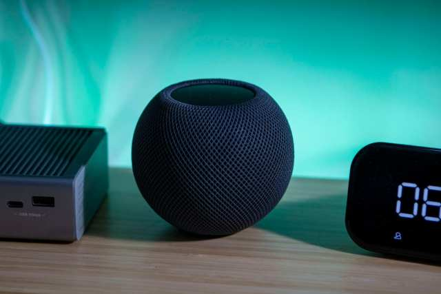 HomePod Mini on Desk