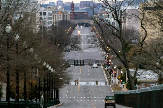 La circulation bloquée sur Independence Avenue, le long de la célèbre esplanade du Capitole, National Mall, le 16 janvier.