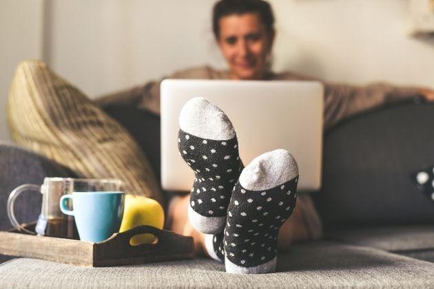 Télétravail: Une étude révèle que travailler en pyjama ne nuit pas à la productivité
