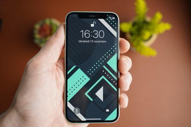 test iphone 12 mini interface