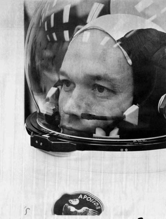 Michael Collins, ici en juillet 1969, au moment d'embarquer à bord d'Apollo 11.