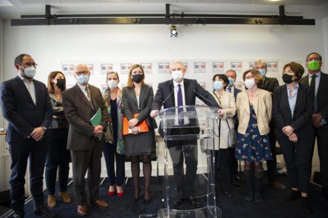 Le député Olivier Falorni s'exprimesur la proposition de loi «donnant et garantissant le droit à une fin de vie libre et choisie», à Paris, le 6 avril.