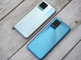Realme 8 Pro and Realme 8 5G side by side