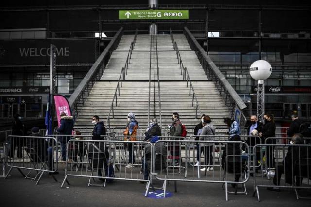 Le vaccinodrome du Stade de France, à Saint-Denis, le 8 avril.