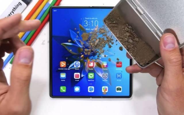 Huawei Mate X2 Durability Test 1