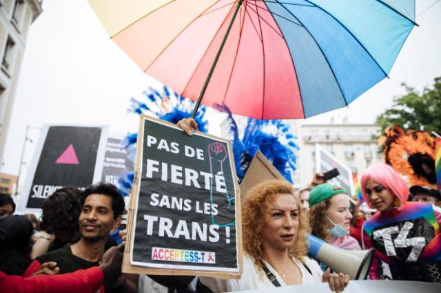 Des participants à la Marche annuelle des fiertés,à Pantin (Seine-Saint-Denis), samedi 26 juin 2021.