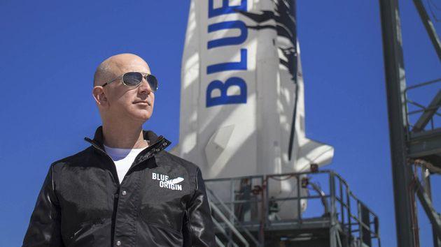 Jeff Bezos fera partie de l'équipage du premier vol spatial de Blue Origin