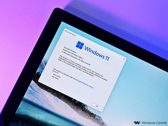 Windows 11 Logo 3 Surface Pro