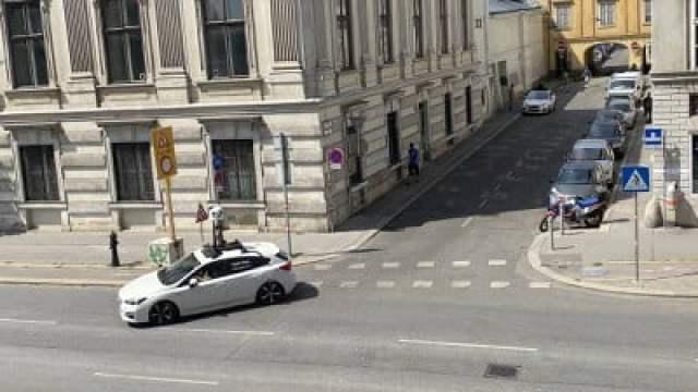 apple maps vehicle austria