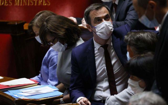 «J'aimerais entendre les mêmes vociférations pour lutter contre le virus», s'est fâché jeudi devant les députés le ministre de la Santé Olivier Véran (ici le 20 juillet dans l'hémicycle). AFP/Thomas Samson