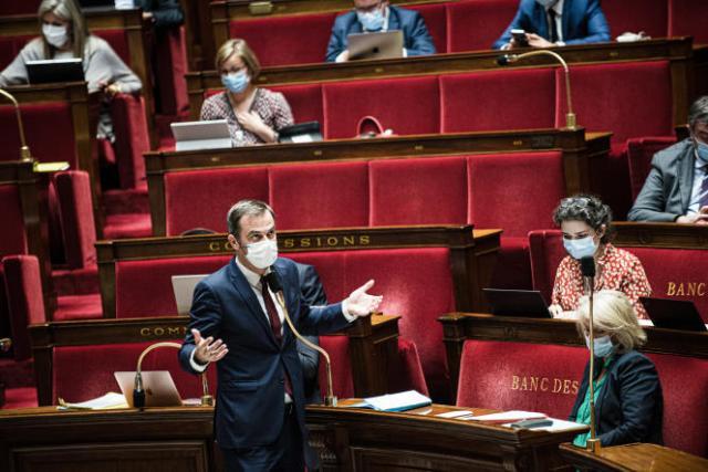 Le ministre des solidarités et de la santé, Olivier Véran, prend la parole à l'Assemblée nationale, le 21 juillet 2021.
