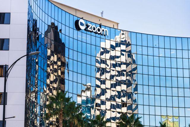Pourquoi Zoom s'empare-t-il de l'éditeur de logiciels de centre d'appels Five9 ?