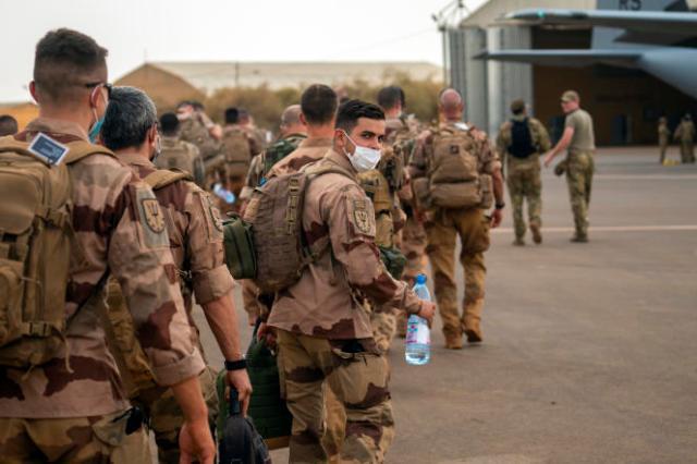 Des membres de l'opération «Barkhane» au Sahel, à Gao, au Mali, le 9 juin 2021.