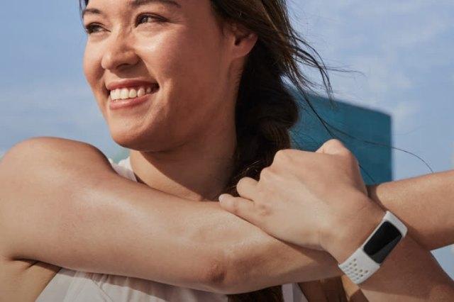 Charge 5 : le nouveau bracelet à tout faire de Fitbit