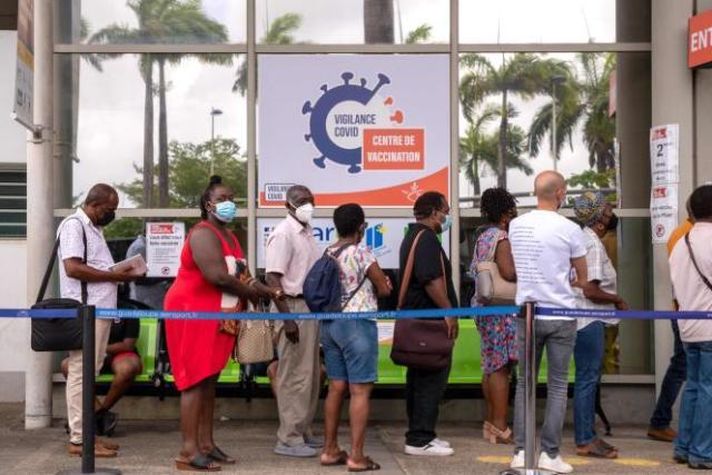 Un centre de vaccination à Pointe-à-Pitre, en Guadeloupe, le 30 juillet.