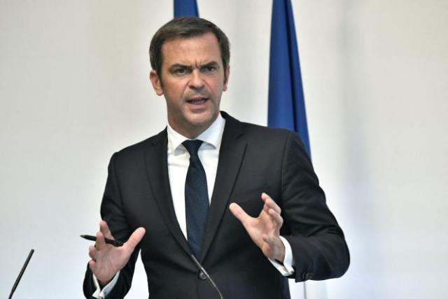 Conférence de presse du ministre de la santé Olivier Véran le 26 août 2021 à Paris.