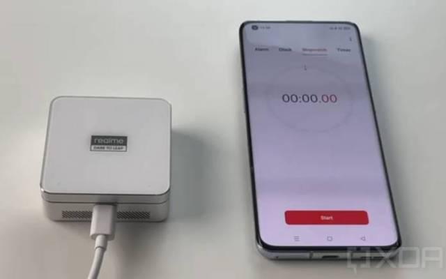 Realme MagDart Charging