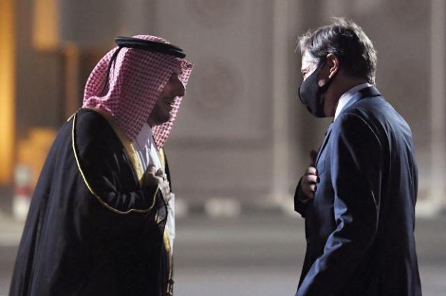 Le secrétaire d'Etat américain Antony Blinken à son arrivée à Doha (Qatar), où il doit s'entretenir avec des responsables qataris sur l'Afghanistan, le 6 septembre 2021.